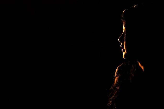 face-dark-background